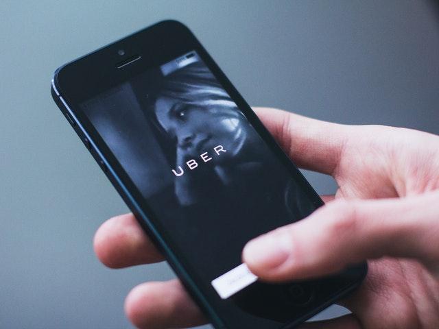 Uber testar självkörande bilar